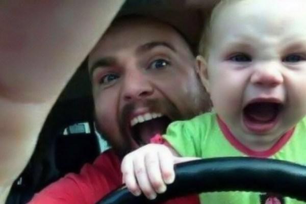 Quando il papà fa il babysitter...