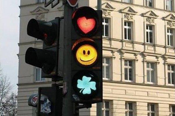 Dirigere il traffico con messaggi positivi