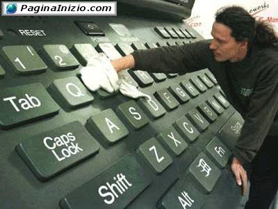 Pulizia tastiera in corso...