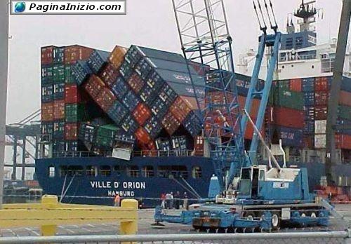 Un domino al porto