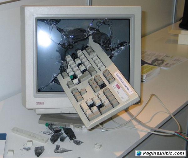 Quando i nervi saltano, le tastiere volano!