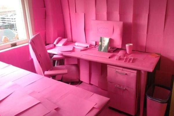 Riconoscete questa scrivania?