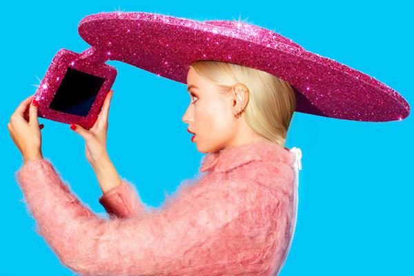 Un cappello per scattare selfie a 360�
