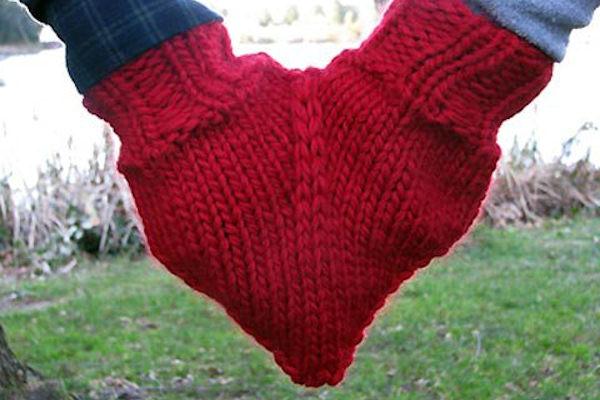 Amore è...due mani e un guanto