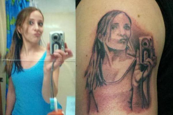 Selfie tatuaggio