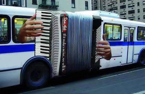 Strani accordi musicali...