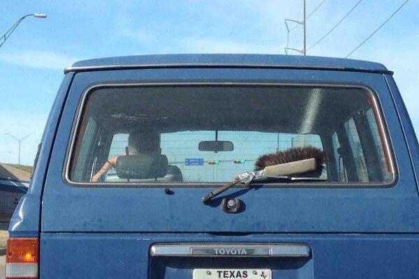 Lavaggio vetri rudimentale