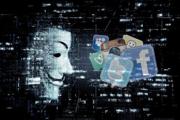 L'account di fantasia come alter ego è sempre più diffuso nei social
