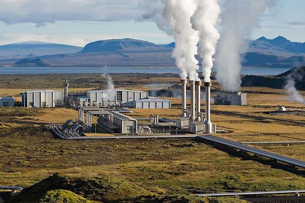 Le centrali geotermiche sfruttano il calore naturale della Terra