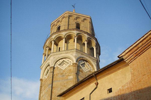 La 2° torre pendente è il campanile di San Nicola