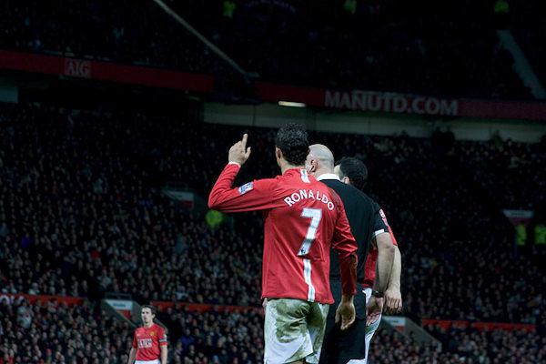 CR7 identifica il giocatore Cristiano Ronaldo e la sua maglia al Manchester