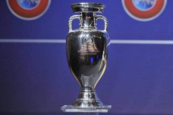 La coppa degli Europei si chiama Coppa Henri Delaunay