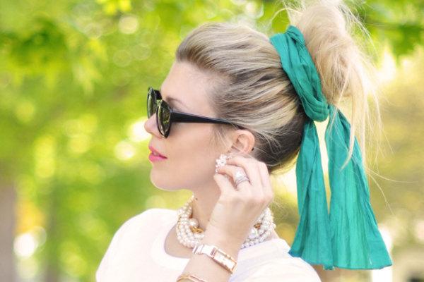 Chignon chiuso con foulard