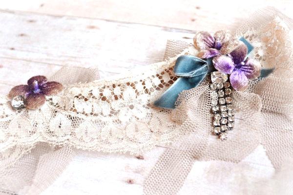 Un accessorio blu è simbolo di purezza e sincerità della sposa