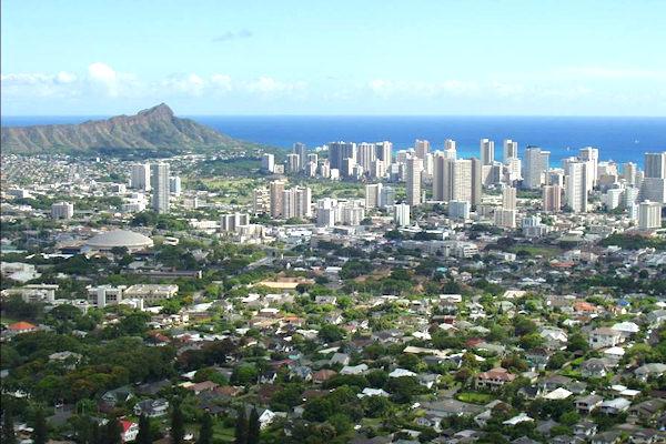Honolulu (Hawaii) possiede la maggior distanza dal centro urbano più vicino