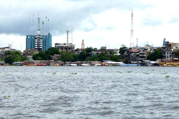 Iquitos (Perù) non possiede alcun collegamento terrestre