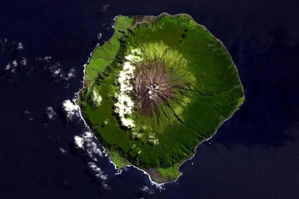 L'isola più remota inquadrata dall'alto