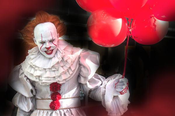Come realizzare la maschera del clown pennywise di it for Immagini di clown da colorare