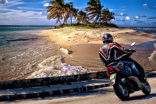 Per guidare un ciclomotore è necessario aver compiuto 14 anni