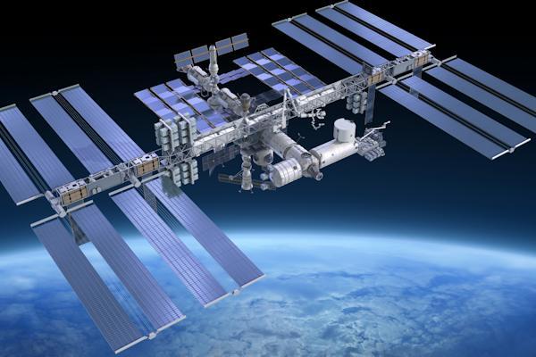La stazione spaziale internazionale, lanciata nel 1998
