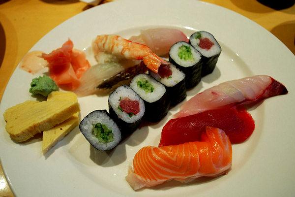 Un piatto tipico di sushi