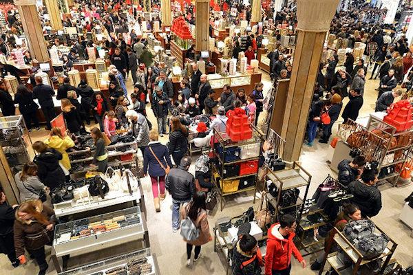 Il Black Friday è il giorno di inizio dello shopping di Natale