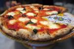 La pizza per eccellenza, la più conosciuta al mondo è la Margherita