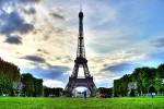 La tour Eiffel vista da Champ de Mars